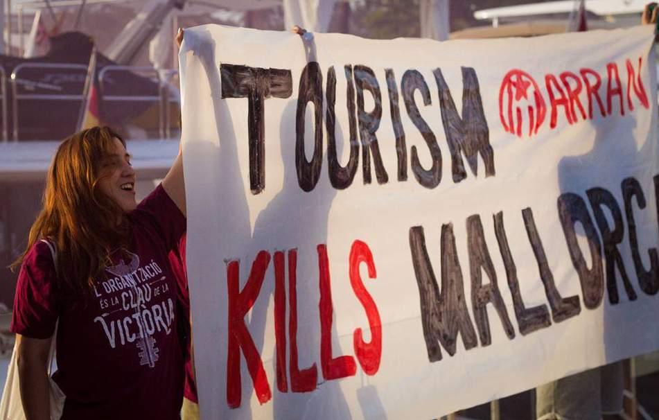 Arran anti-tourism protest in Majorca