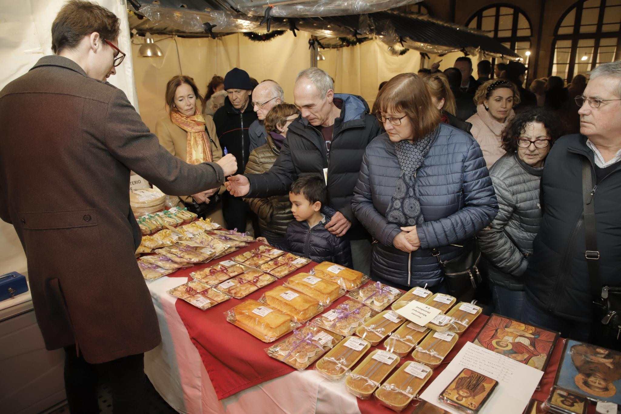 A whole range of irresistible, mouth-watering delicacies like nougat, pastries, sweets, marzipans and jams on offer.