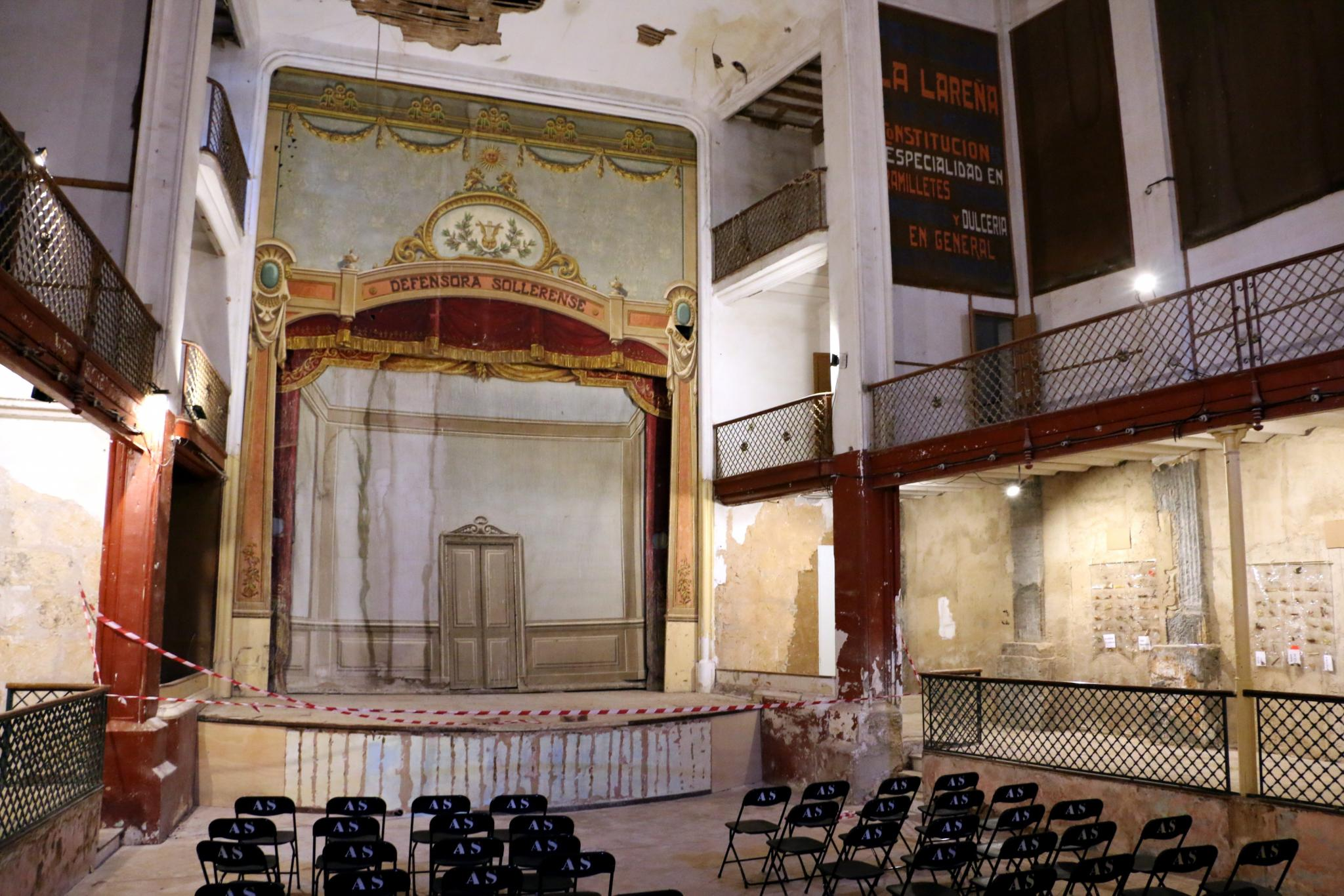 The stage at the old theatre in Soller