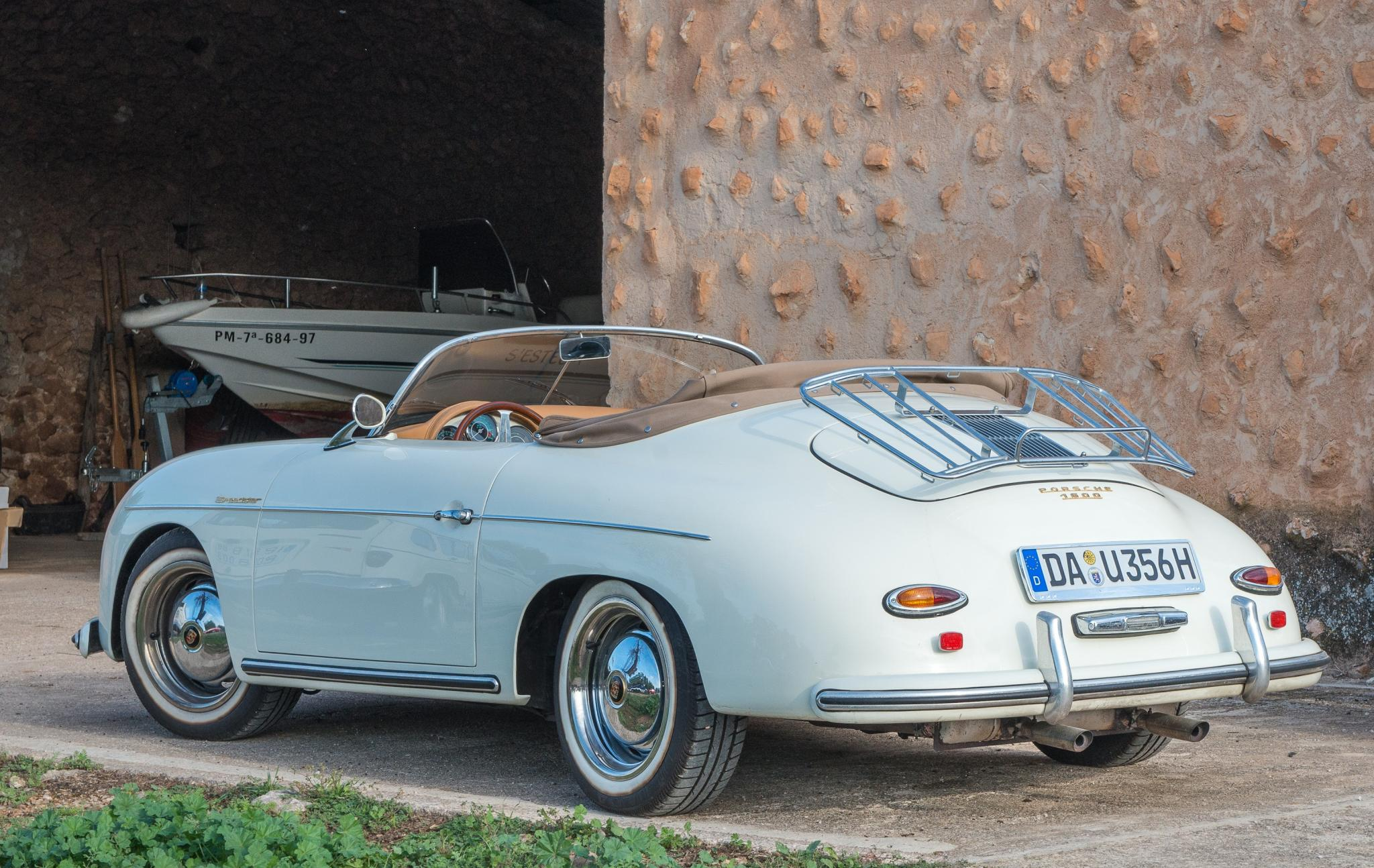 Porsche 365 looking very period, elegant and cute
