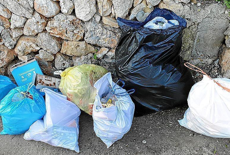 Rubbish dumped in Inca