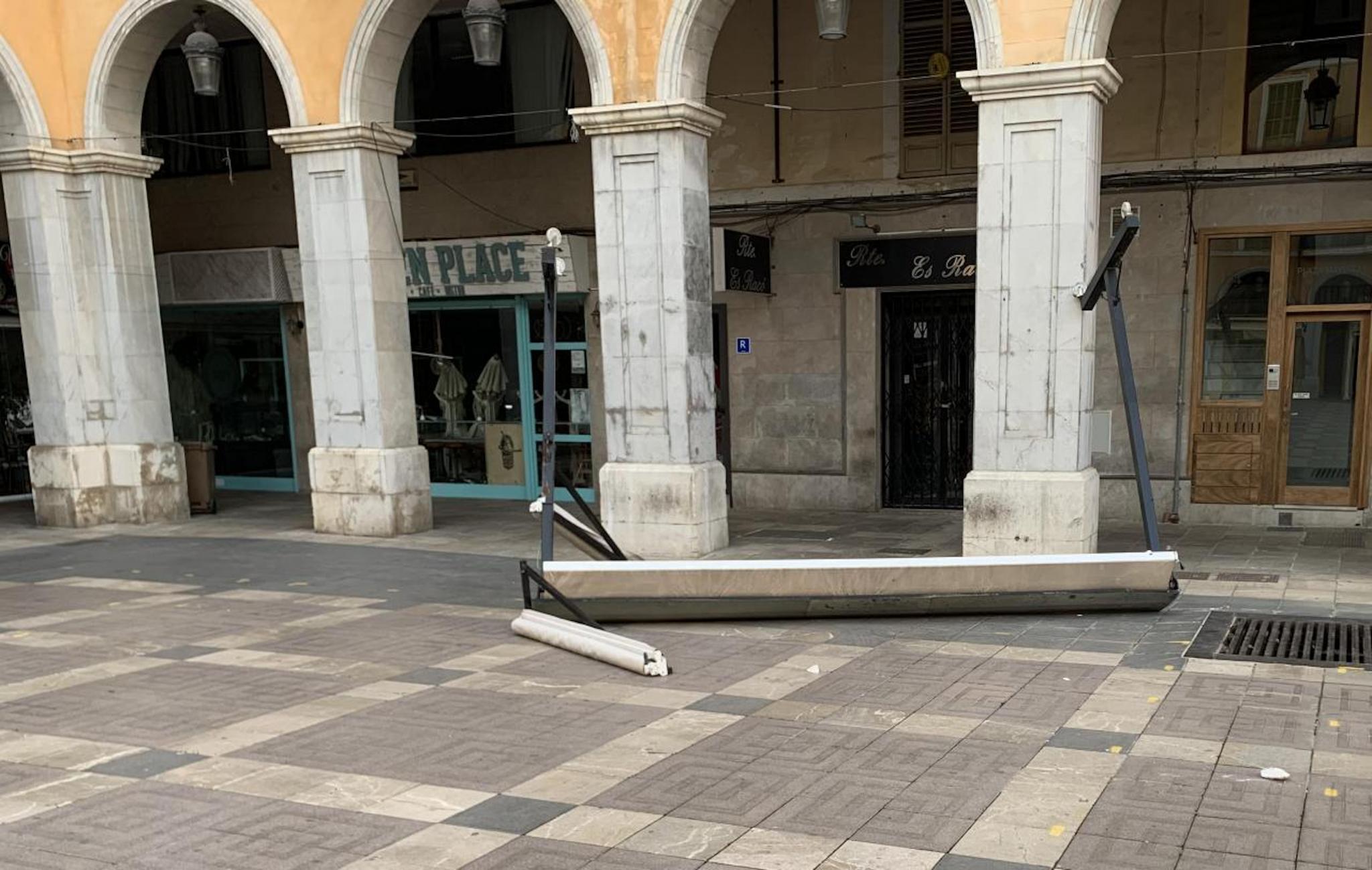 Storm Katrine damage in Plaça Major.