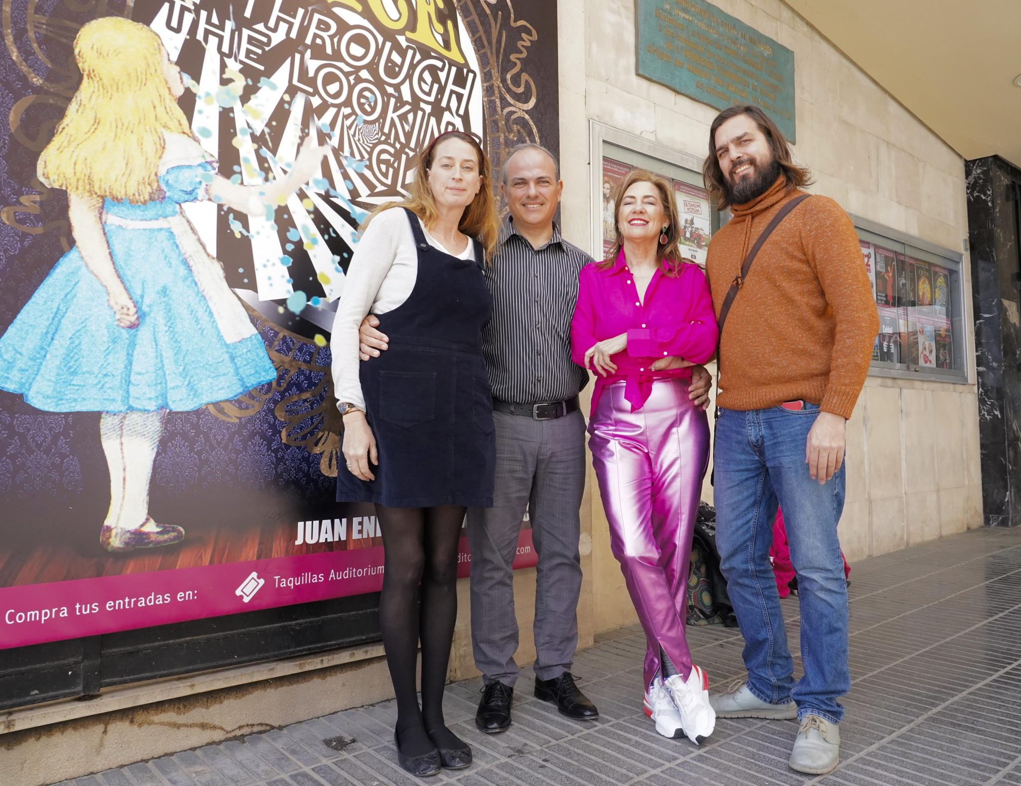 """""""Alice through the looking glass"""" at Palma's Auditorium"""