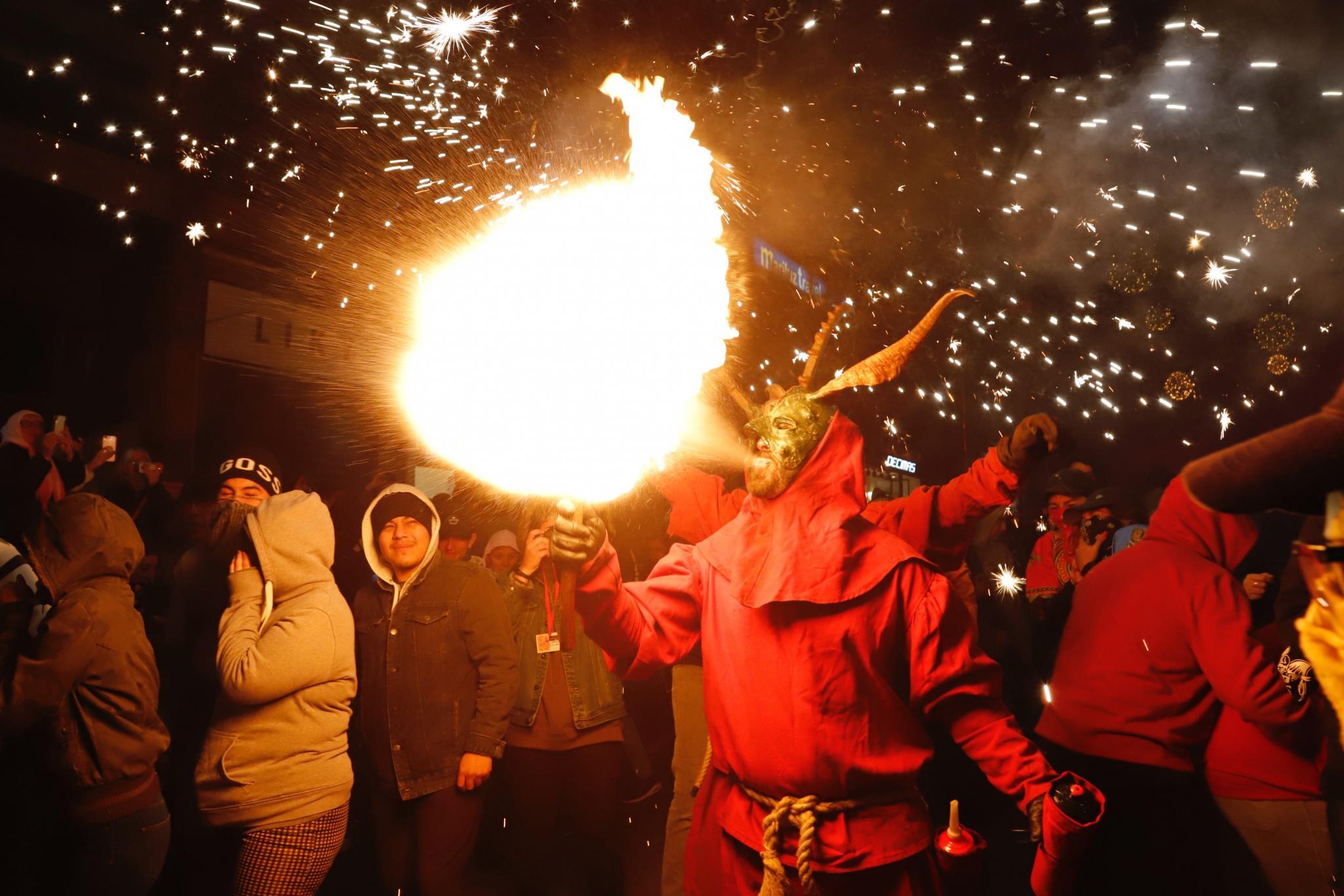 PALMA. FIESTAS POPULARES. Sant Sebastià 2020 clausura sus fiestas con un espectacular Correfoc ,