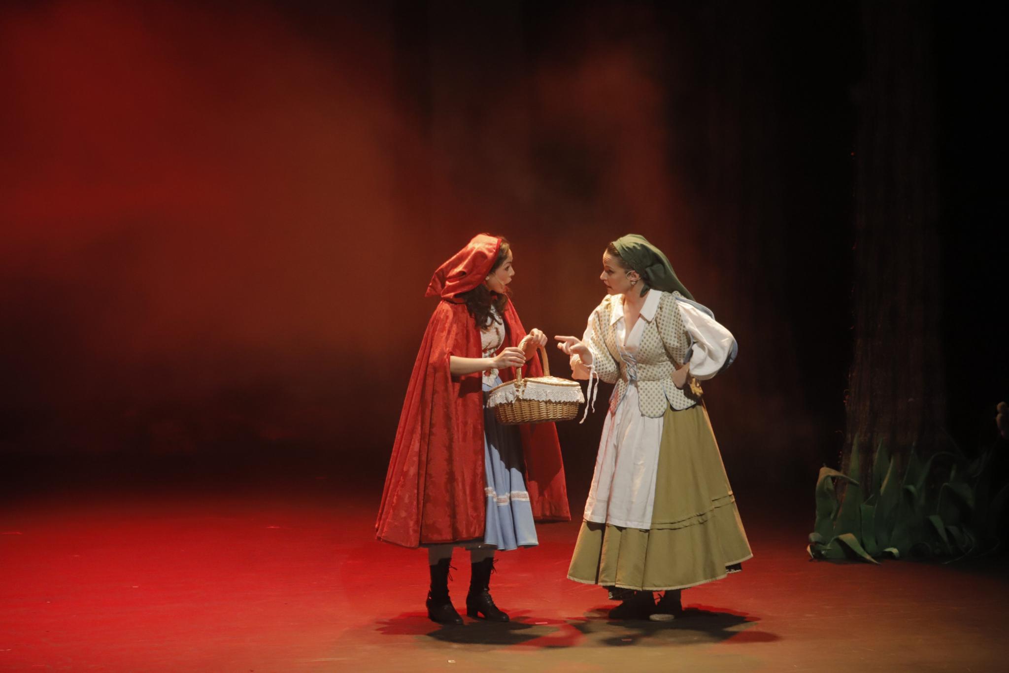 PALMA. ESPECTACULOS. `La Caputxeta Vermella¿, el musical de Rafel Brunet. CAPERUCITA ROJA.