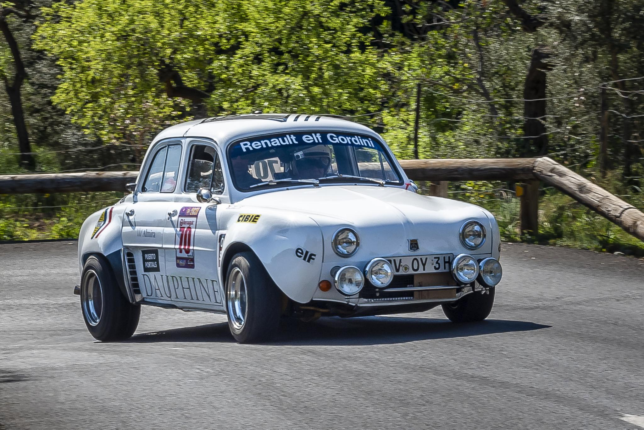 Classic Renault Dauphine in full competition gear looks like fun to throw about.