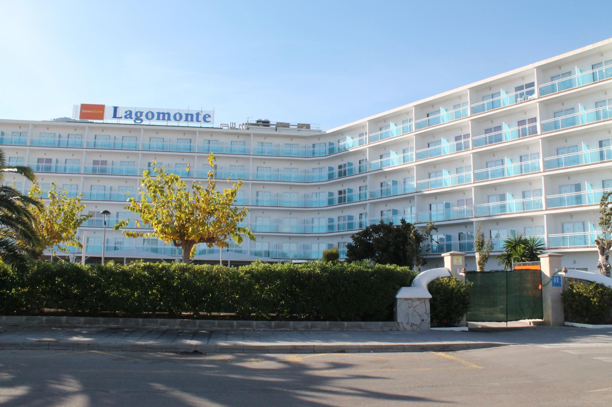 ALCUDIA - HOTELES - VISTA GENERAL DEL COMPLEJO BELLEVUE DE LA CADENA BLUEBAY HOTELS.