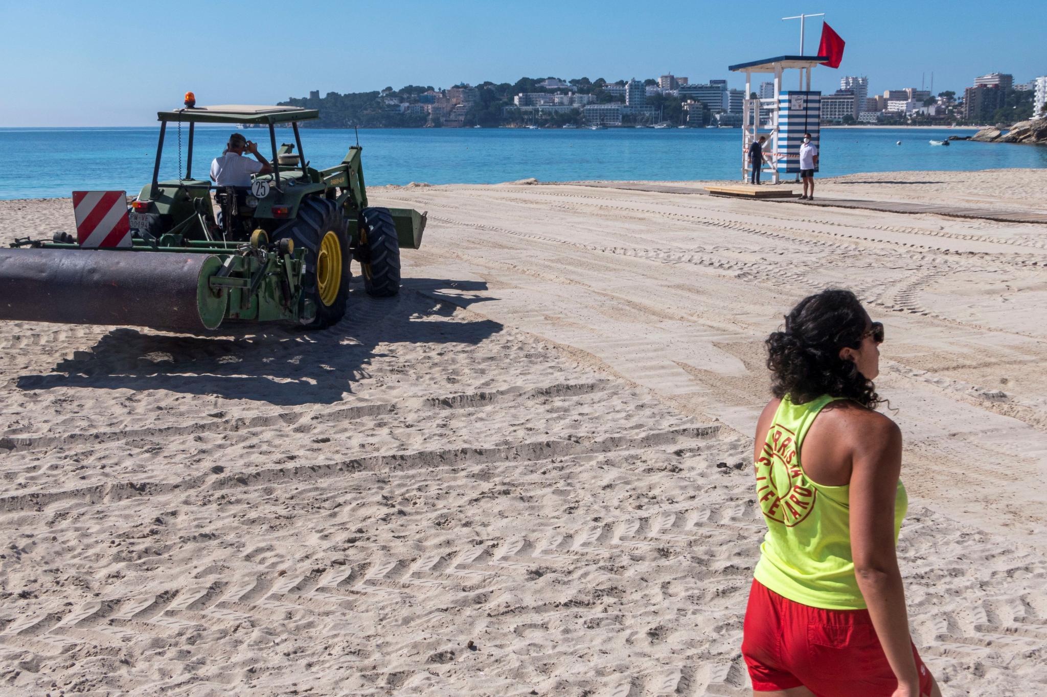 Puesta a punto de las playas de Mallorca