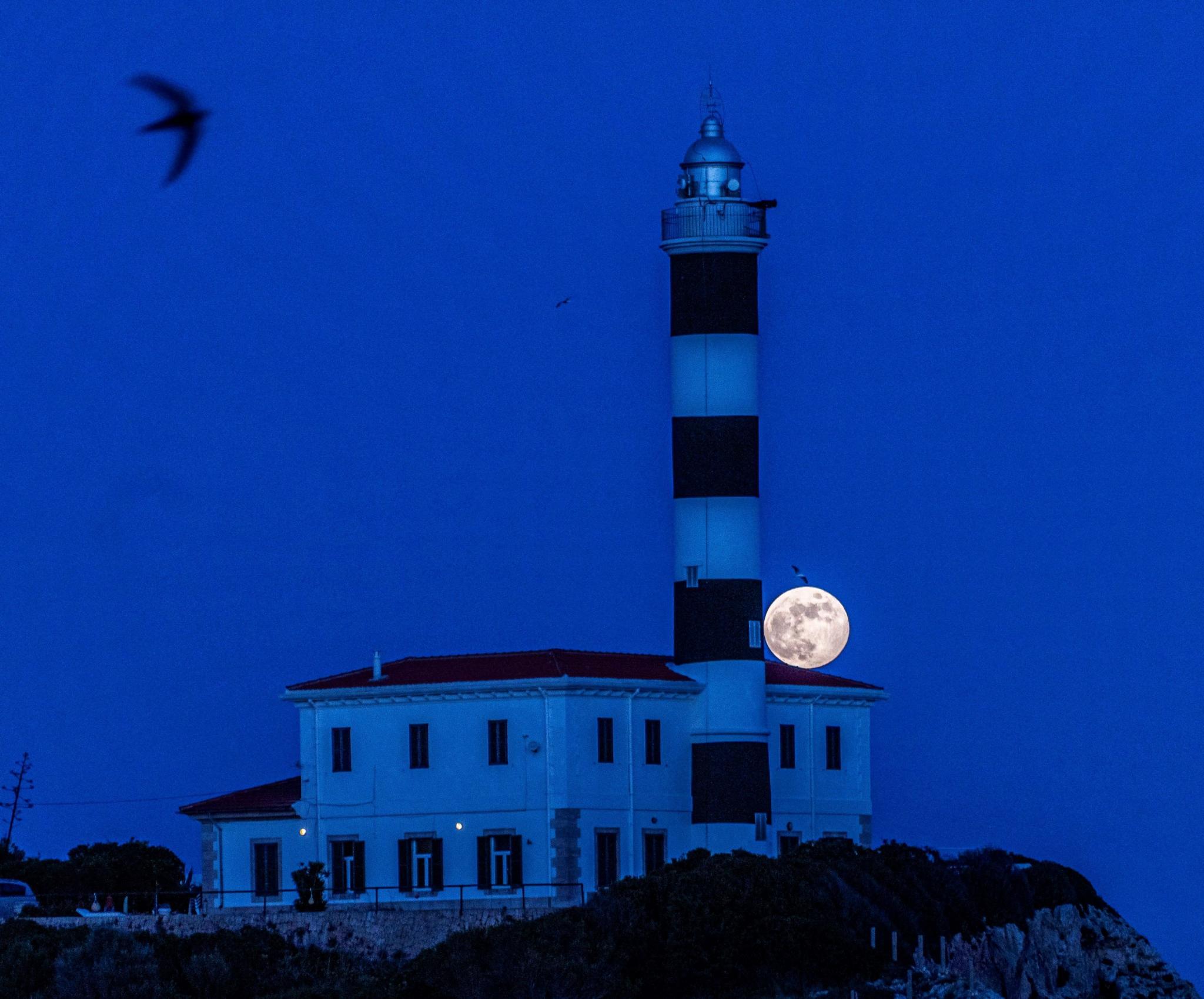 Strawberry Moon in Majorca.