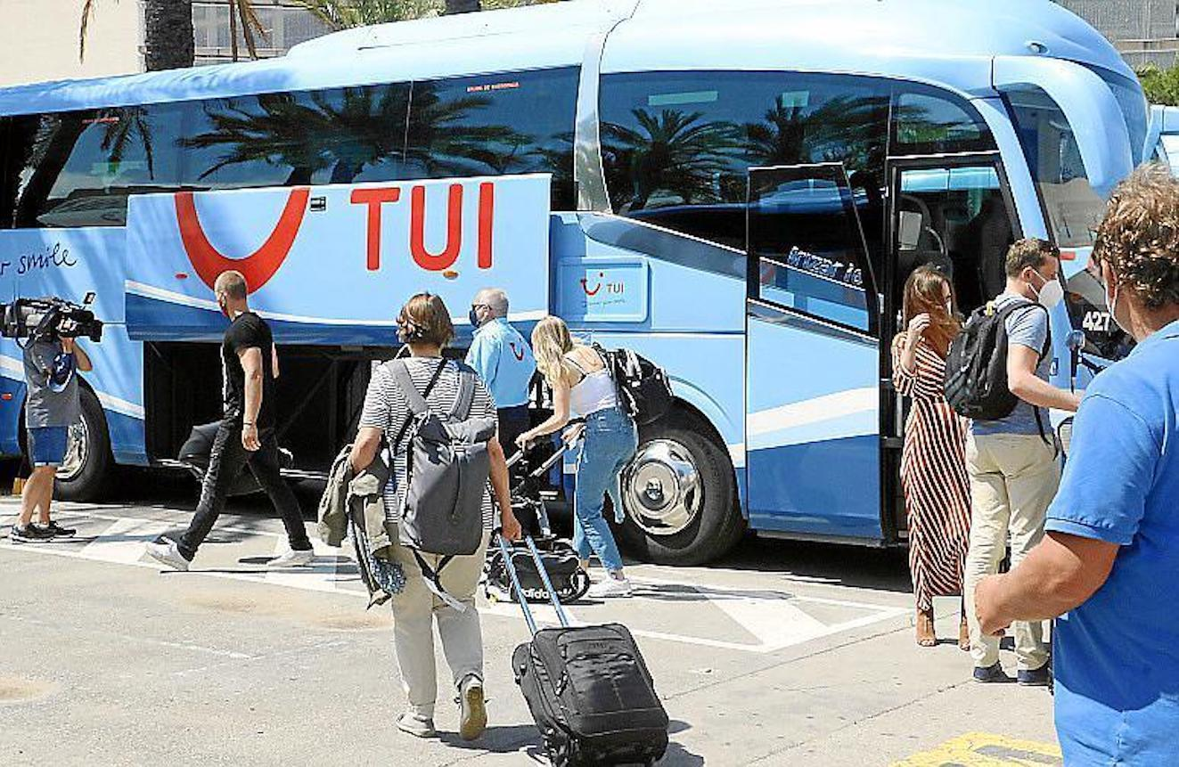 Lack of Coordination between TUI, Hotels & Government.