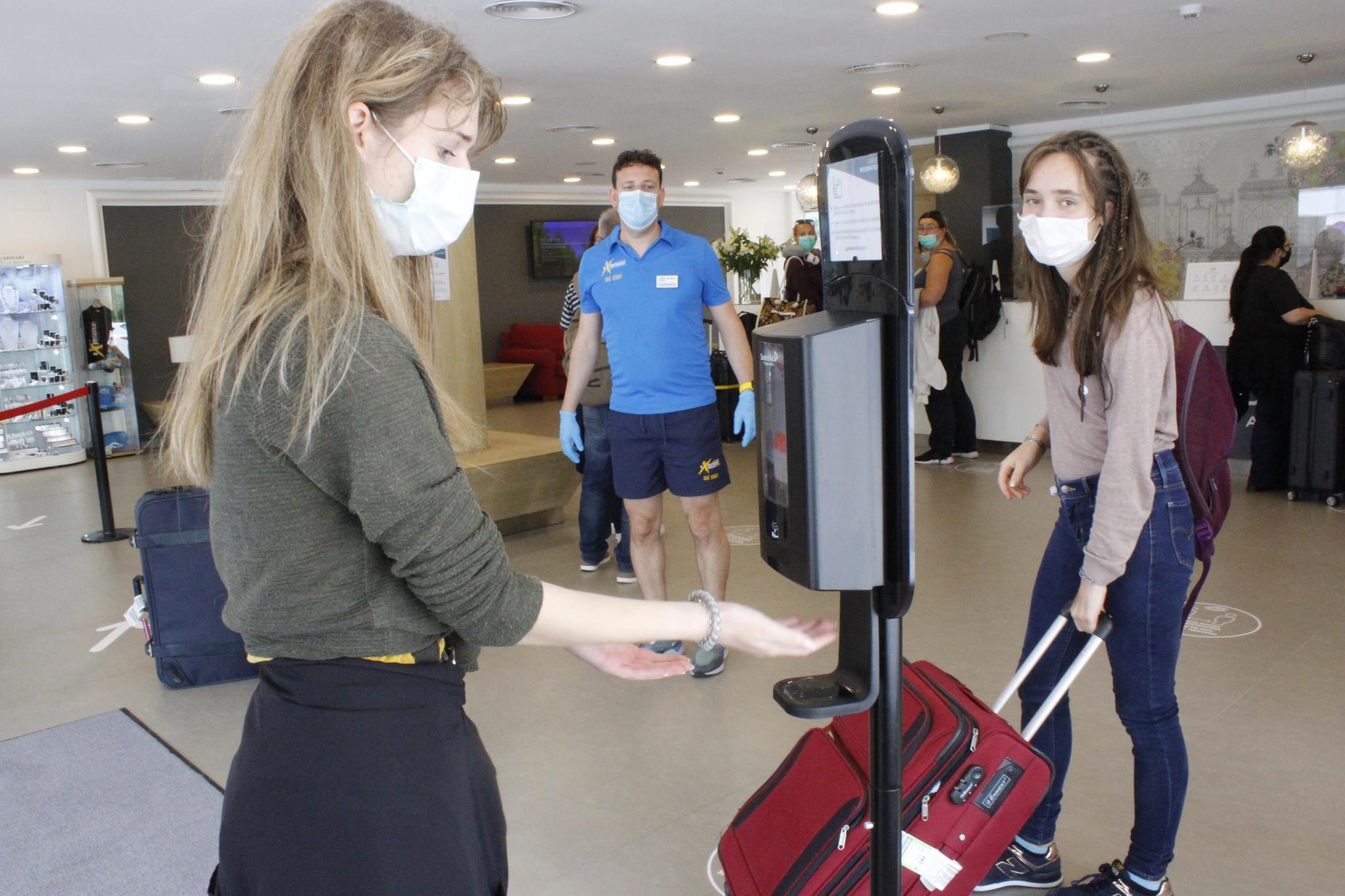 ALCUDIA. TURISMO. Alcúdia recibe sólo a 62 turistas del plan piloto en cuatro días.