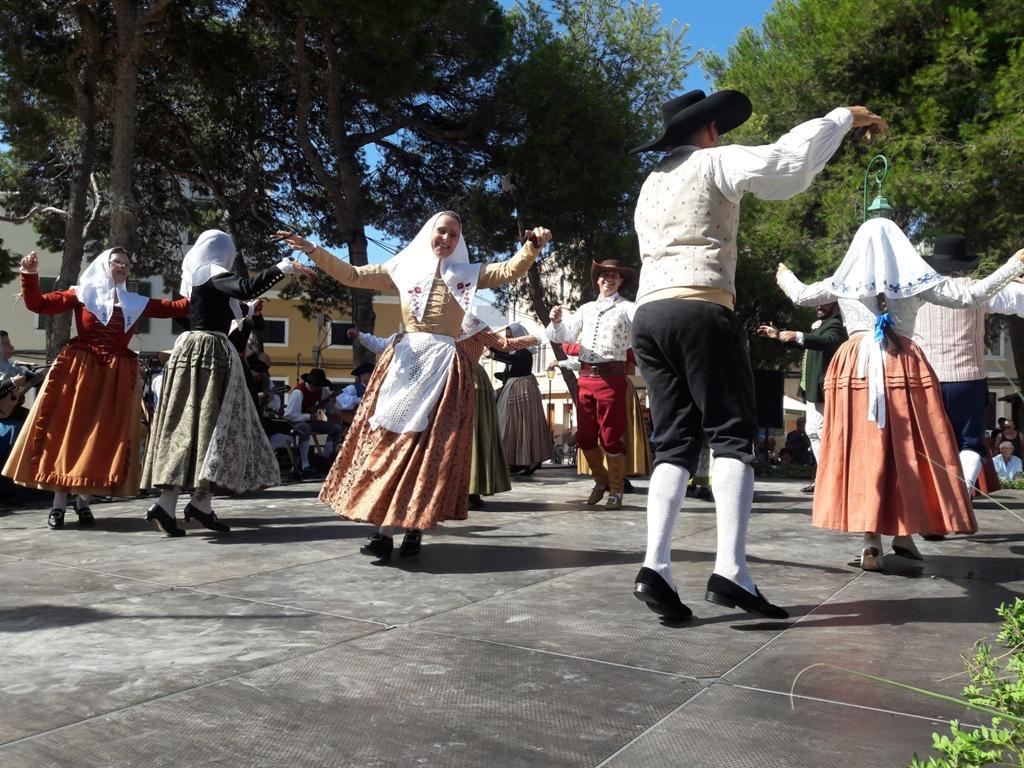 Festes de Sant Jaume . ALCÚDIA. La Mostra Folklòrica llenará la plaça Carles