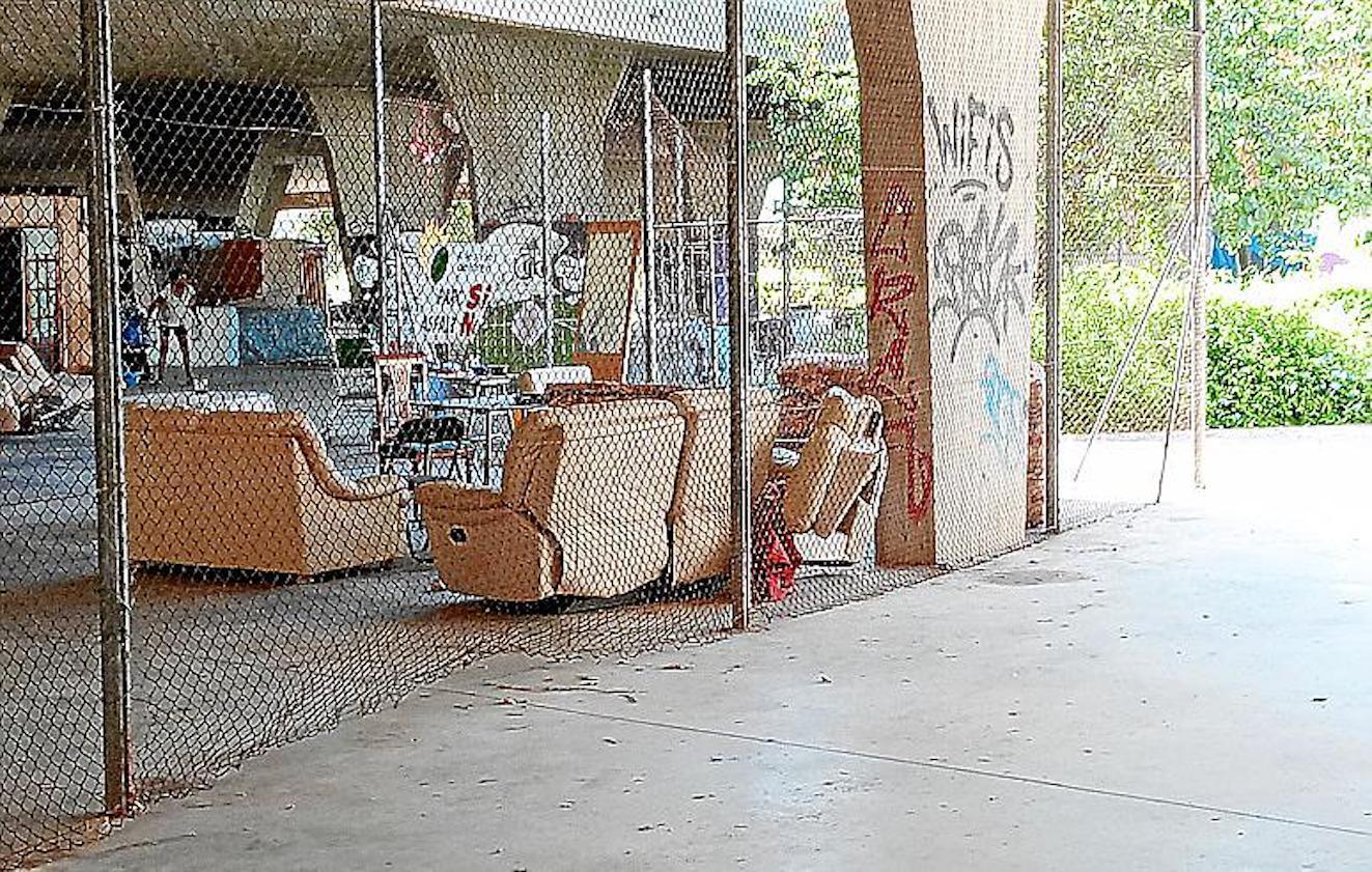 Homeless settlement, Parc del Pocoyó, Palma.