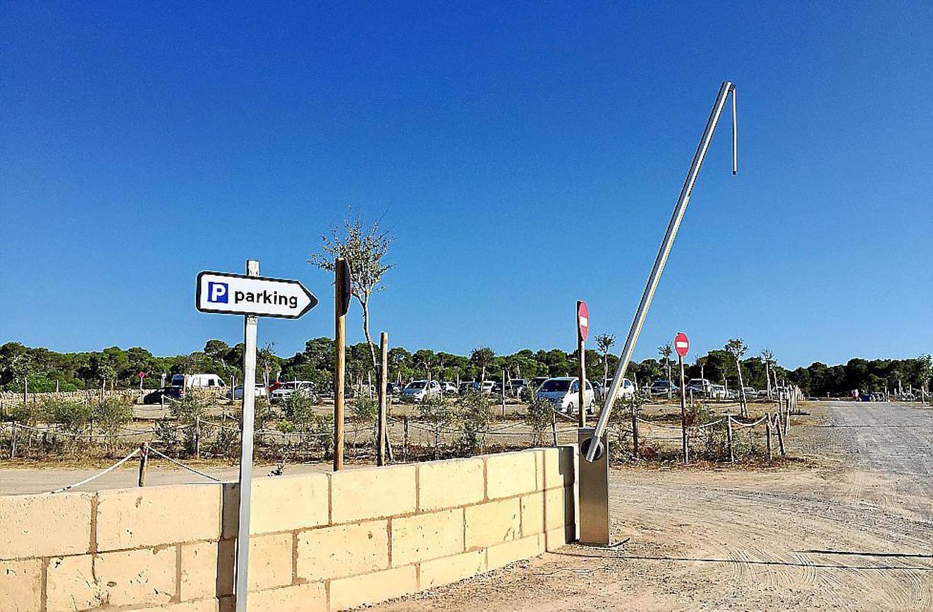 Ses Covetes parking, Majorca.
