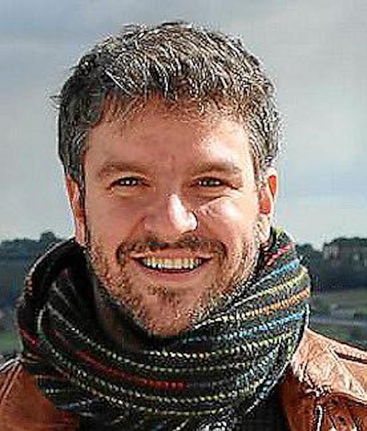 Luís Apesteguia, Deya Mayor.