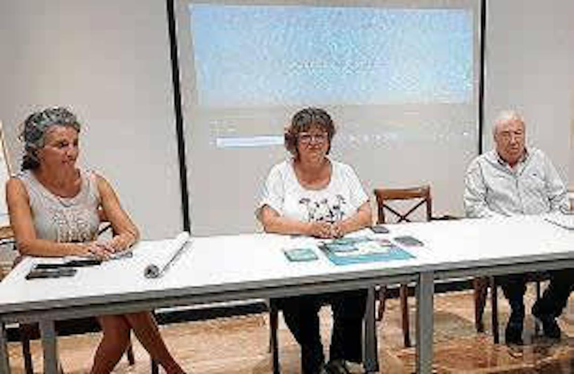 Magdalena Torres, Department of Tourism, Tourism Councillor, Maria Antònia Truyols & Joan Pol, President of the Hotel Association of Cales de Mallorca
