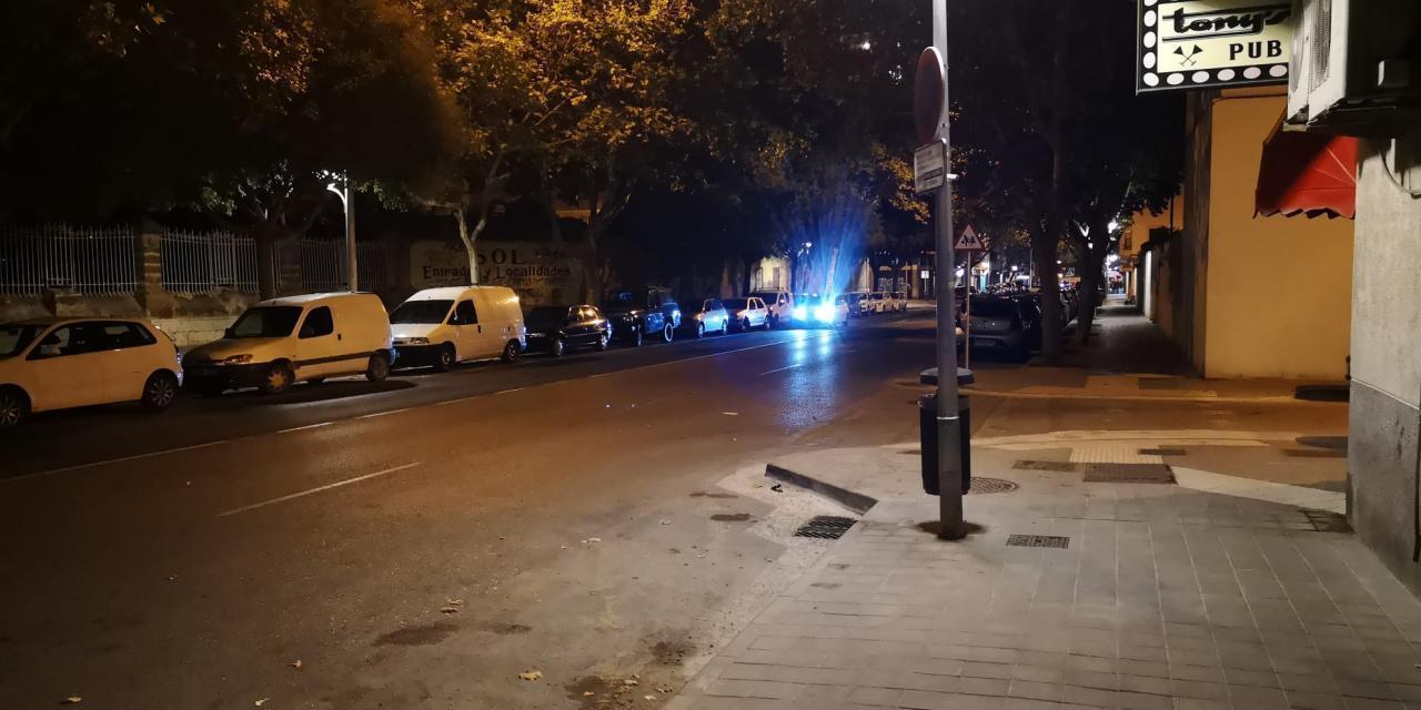 Police arriving in Arquitecte Bennàssar, Palma.