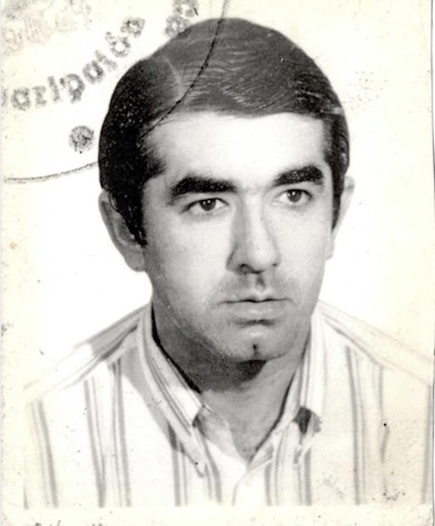 Antonio Oliver passport photo.