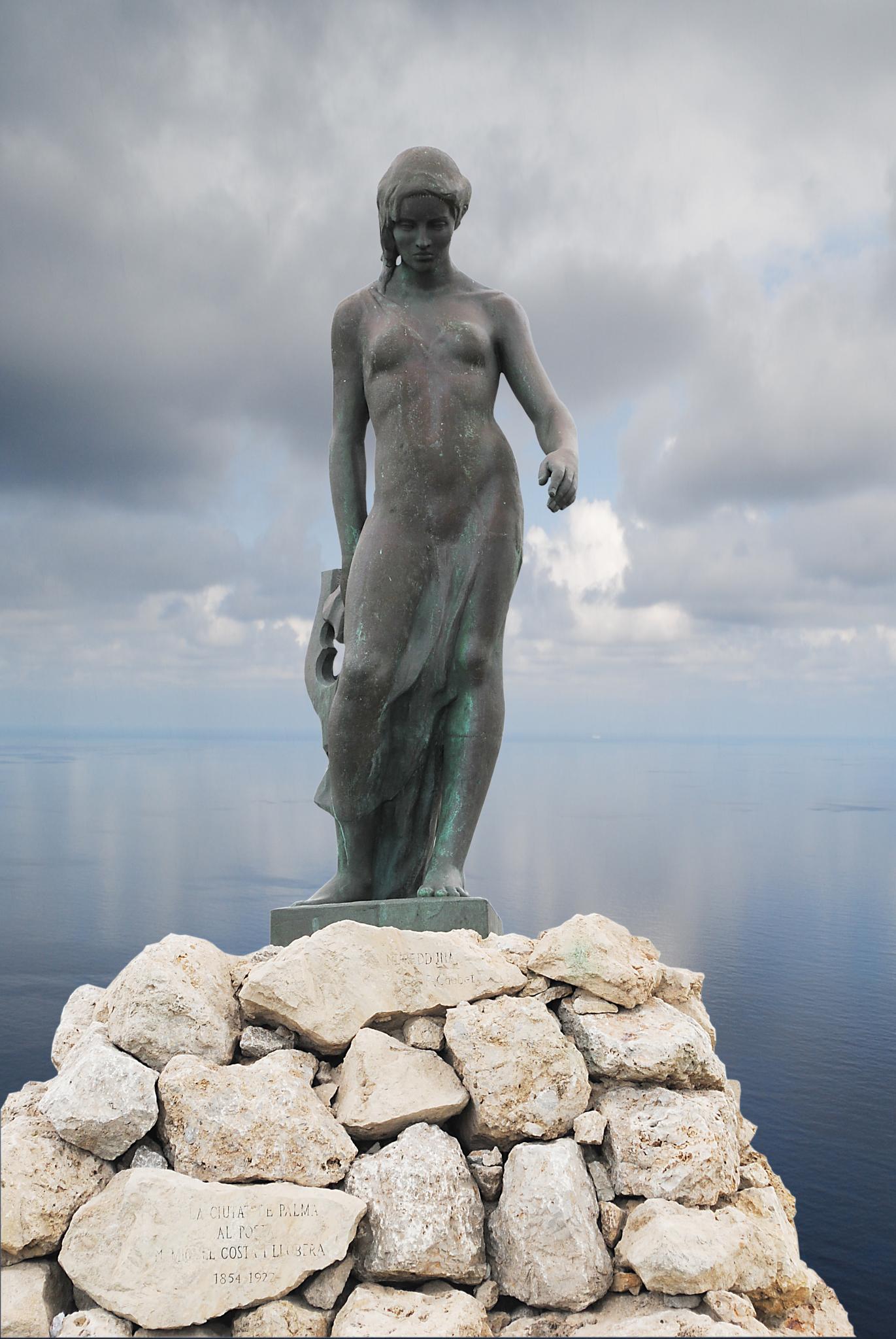 Nuredduna statue in Palma