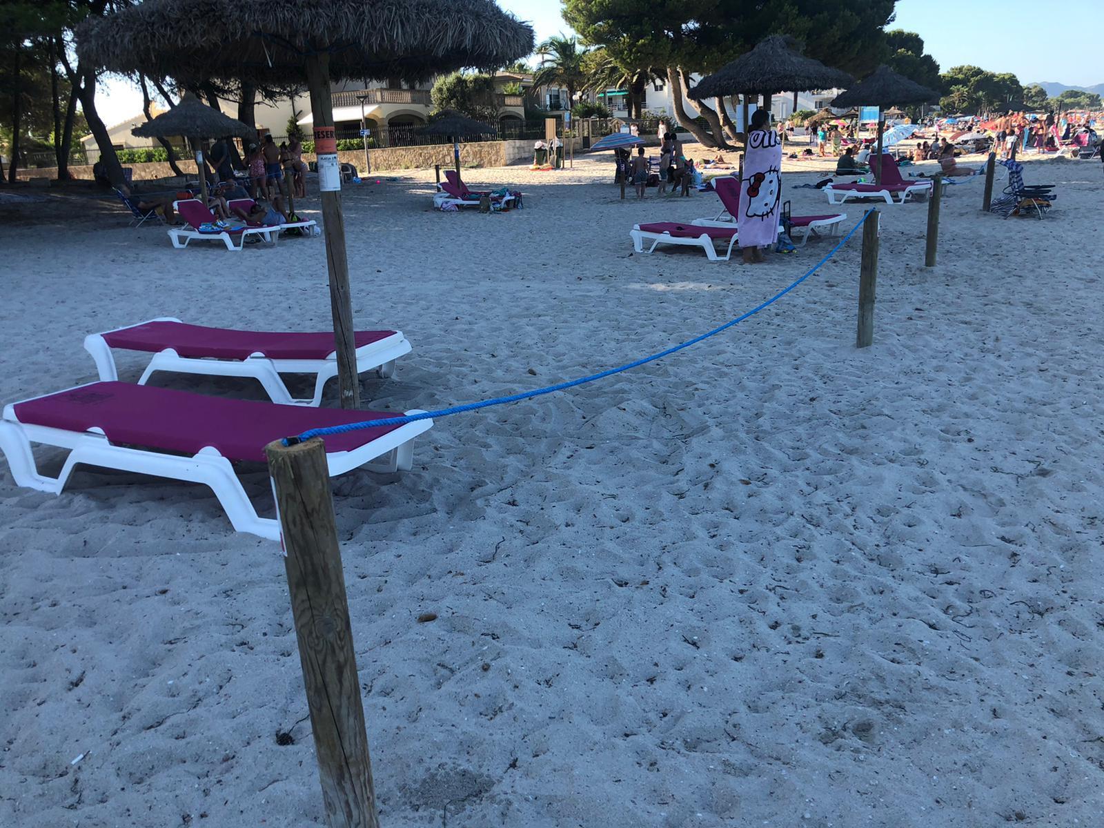 Denuncian la «privatización» de la playa en la zona de concesión de las hamacas