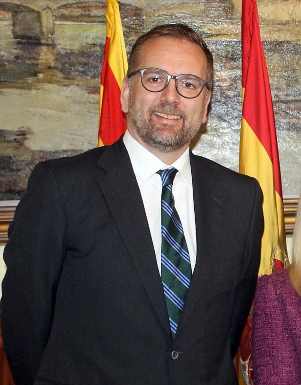 Lloyd Milen praises the new Support In Spain website