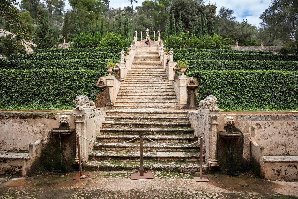 Raixa's Stairs