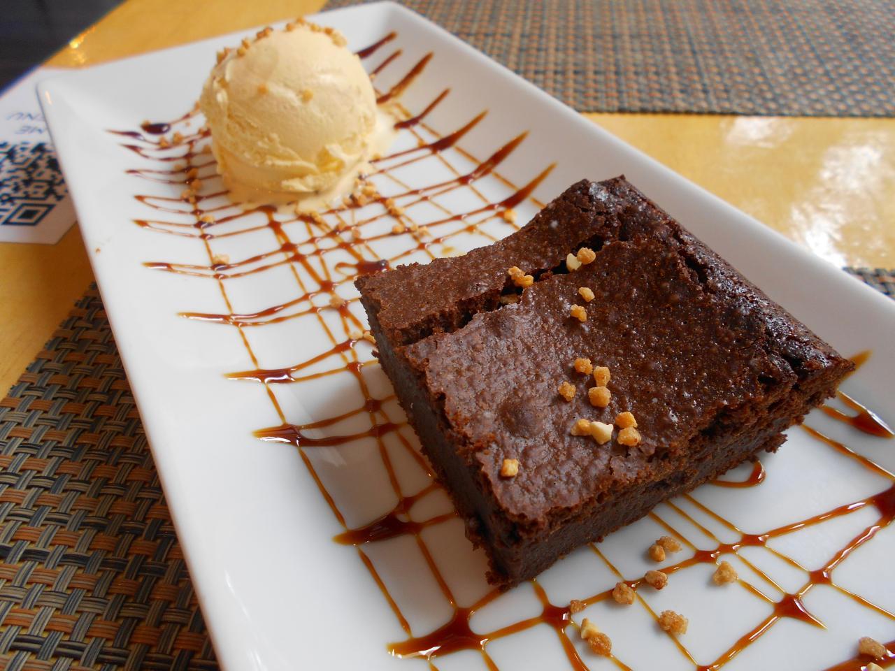 Brownie y helado