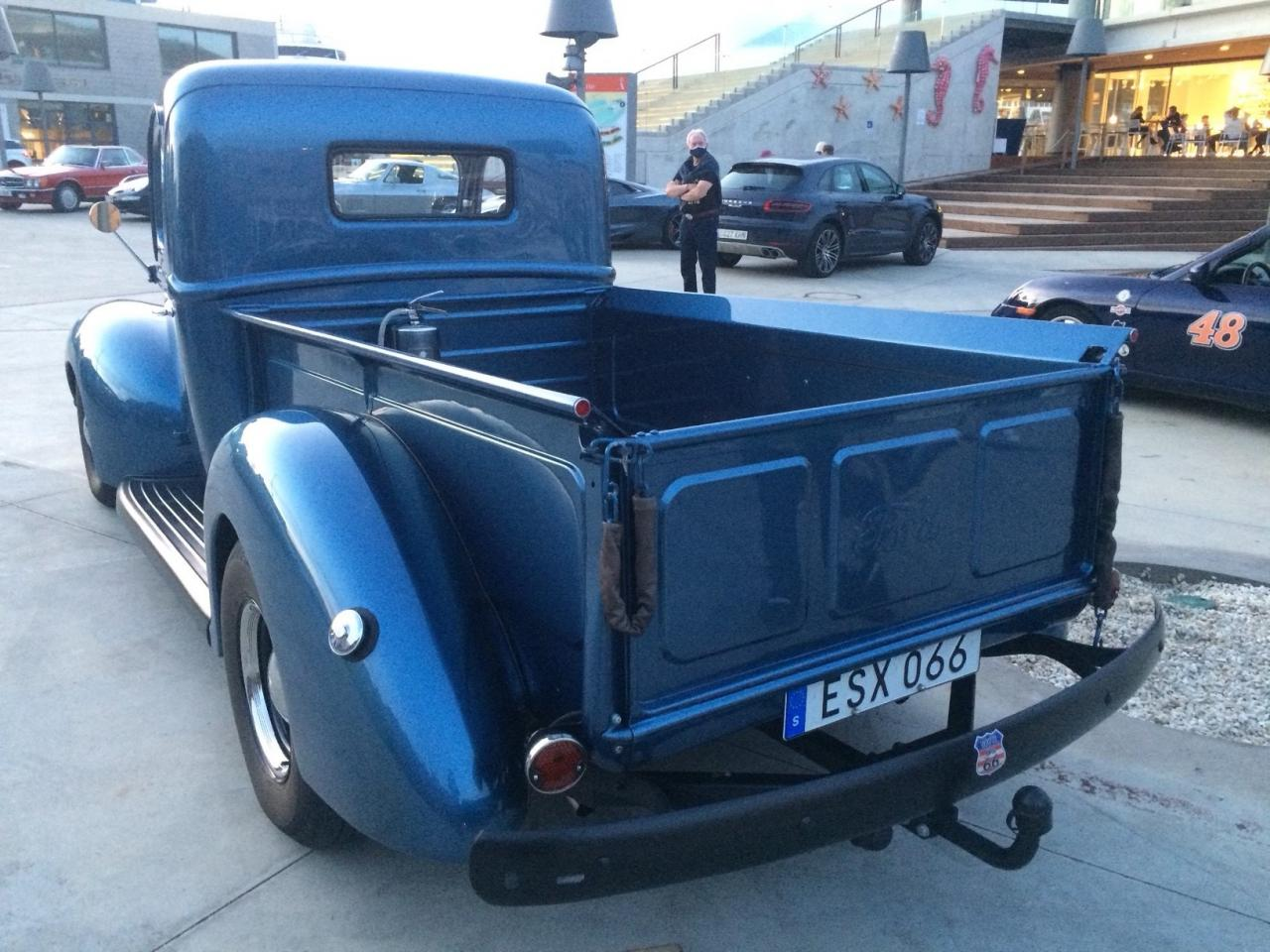 Pickup Ford truck