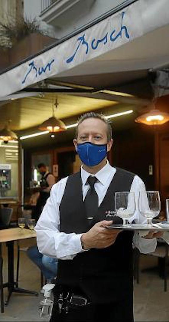 Bar Bosch waiter, Gustavo Millán.