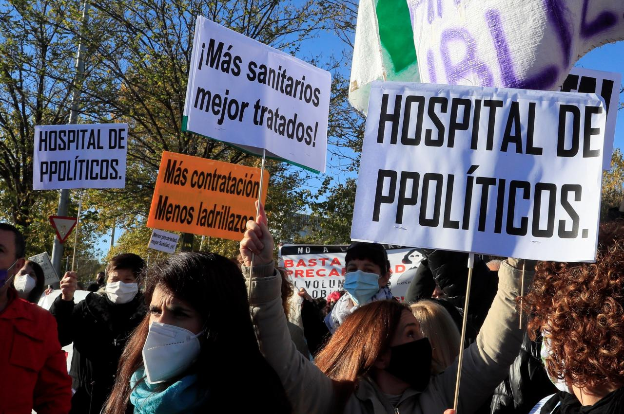 Protests outside the new hospital