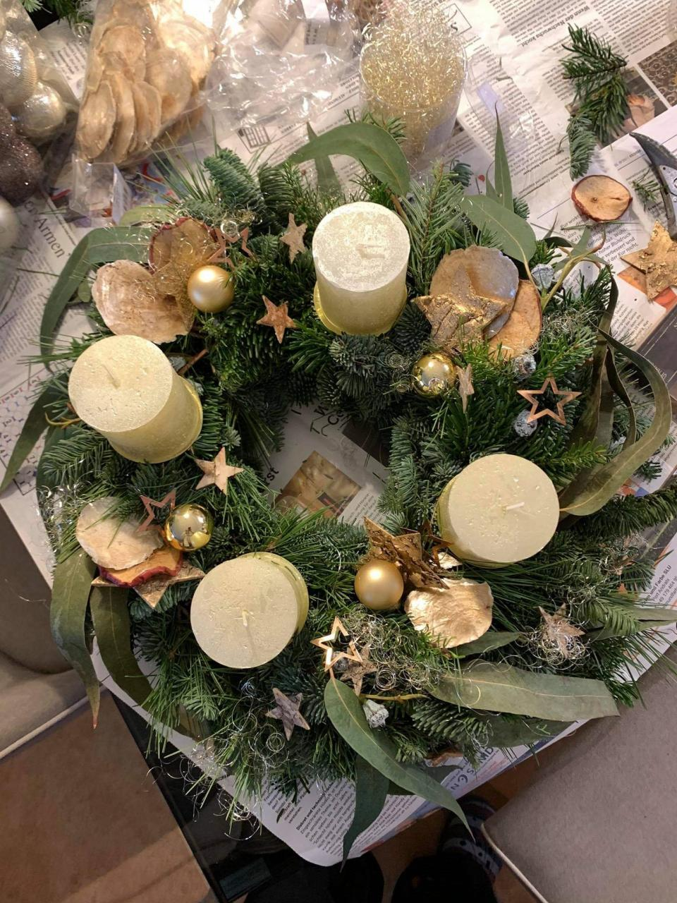 Gold Table Wreath