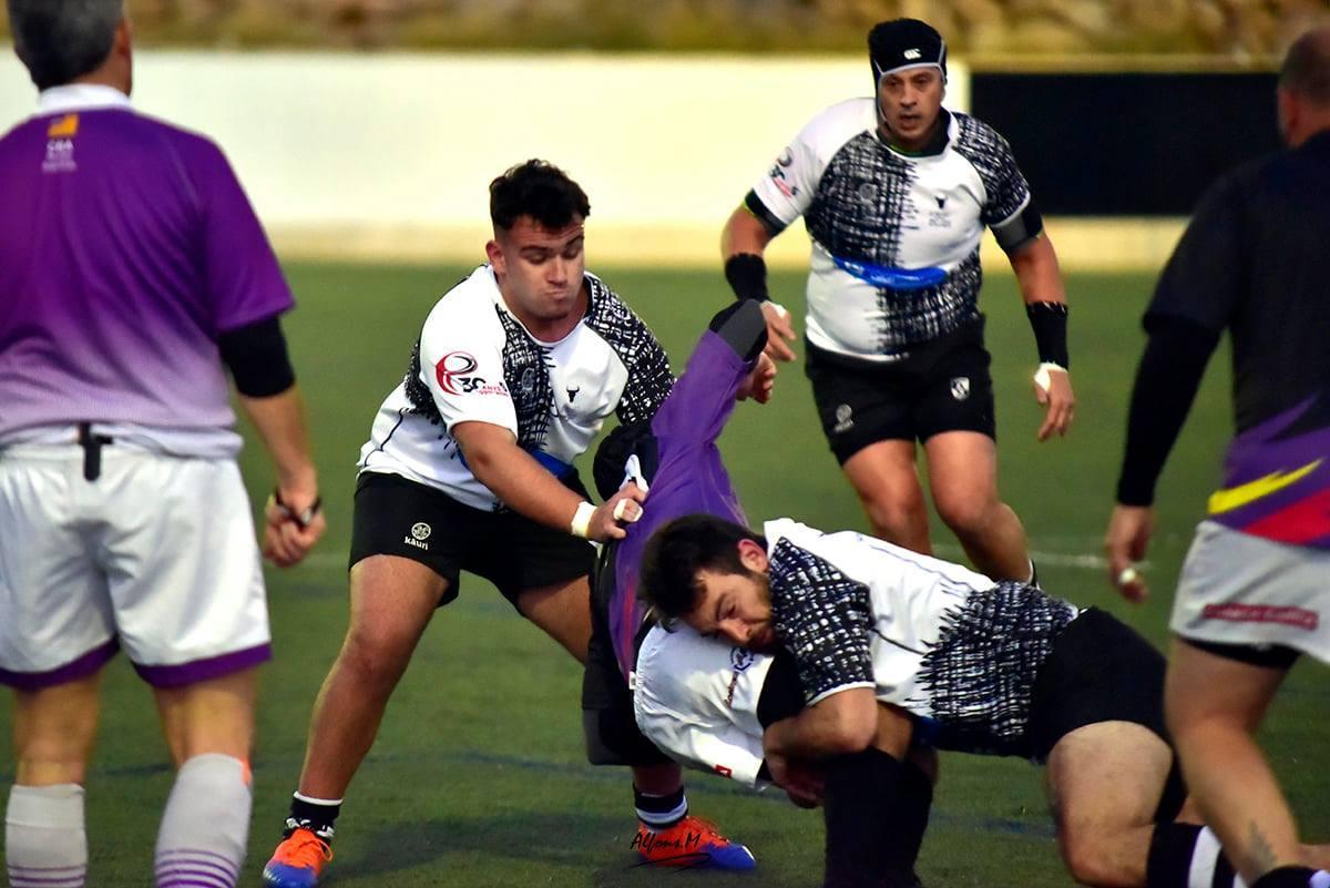 Buena defensa de El Toro RC ante Unión RC