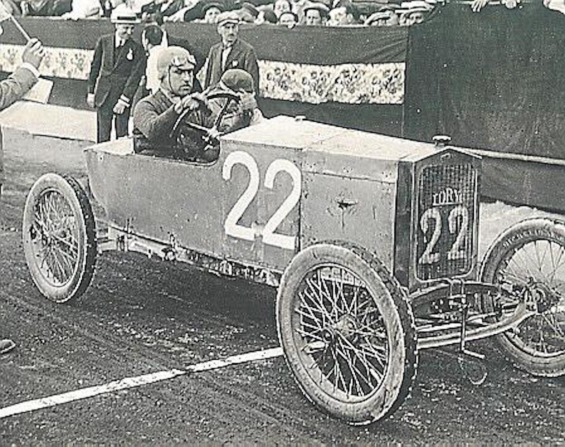 The Loryc in the 1920's.