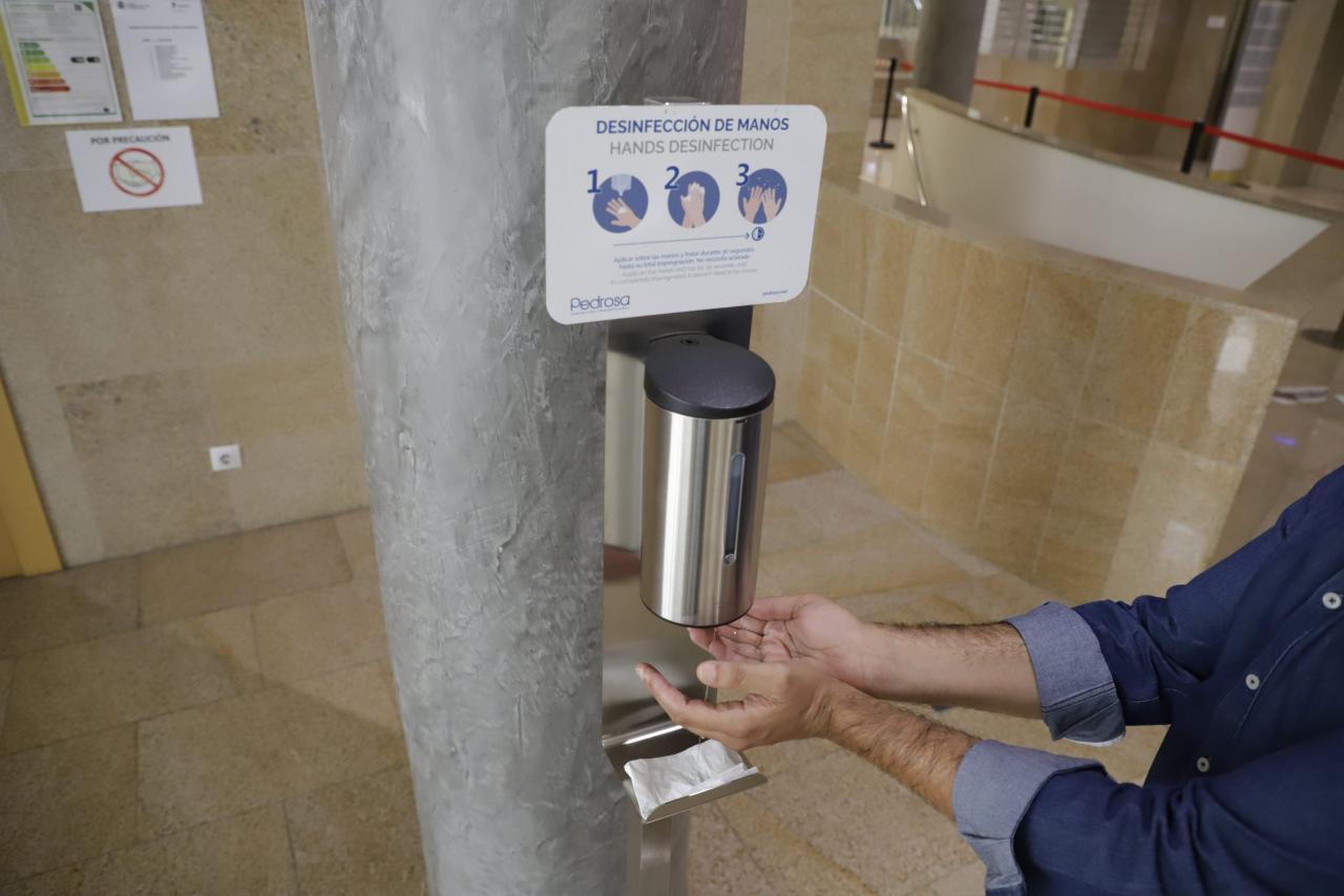 liquid hand sanitisation