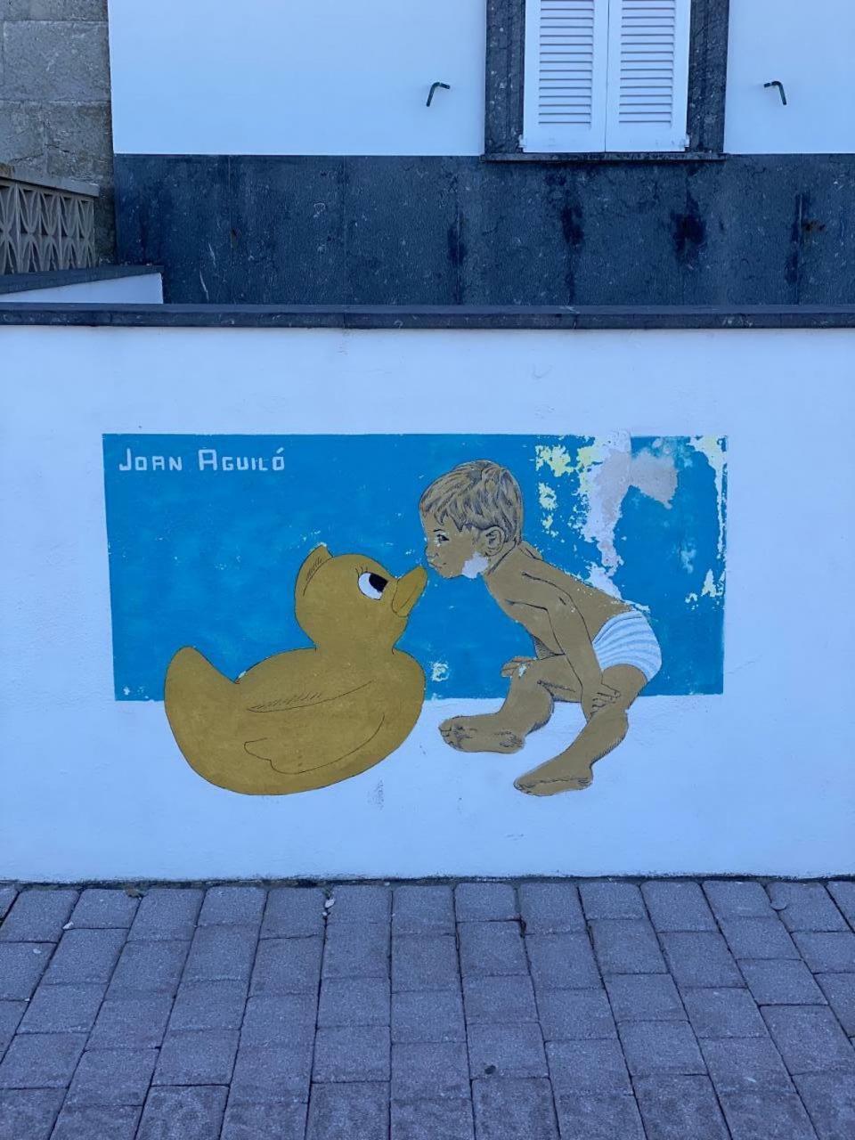 Mural by Joan Aguiló.