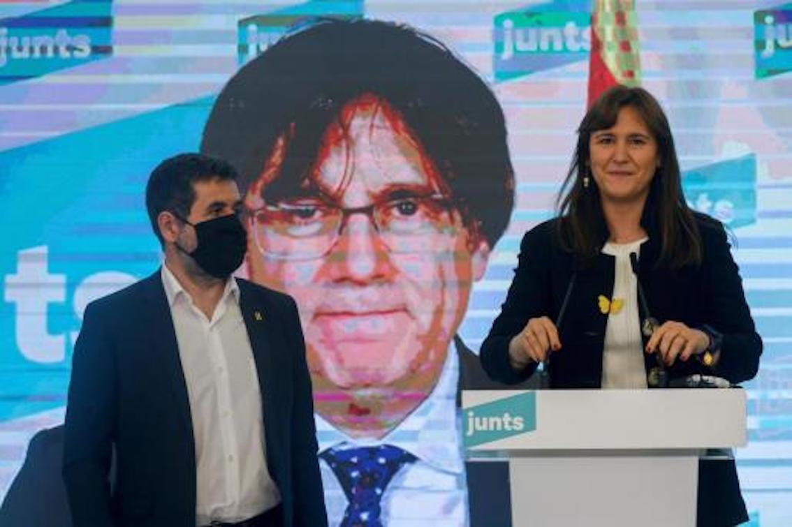 JxCat Candidate, Laura Borràs, JxCat Secretary General, Jordi Sánchez & former President Carles Puigdemont via videoconference.