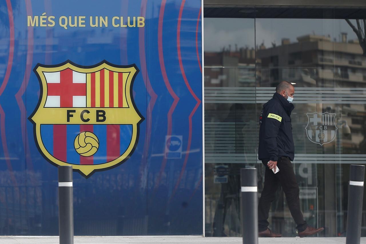 """Los Mossos registran las oficinas del F.C. Barcelona por el """"BarçaGate"""""""