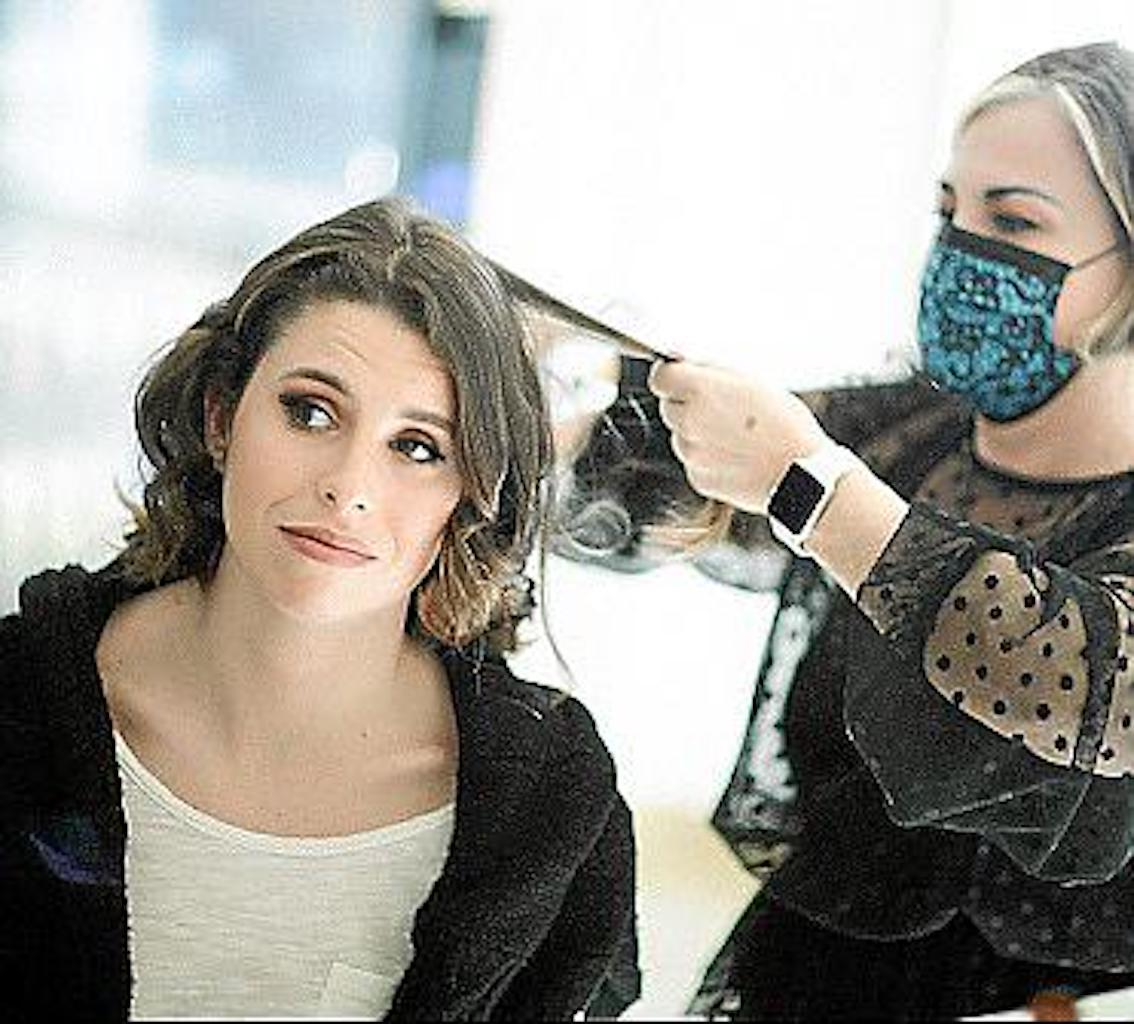Nancy Pujol styled Mireia's hair & applied her makeup for the photo shoot.