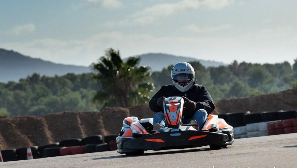 One of our lensmen, Gaston Westphal on a very fast lap