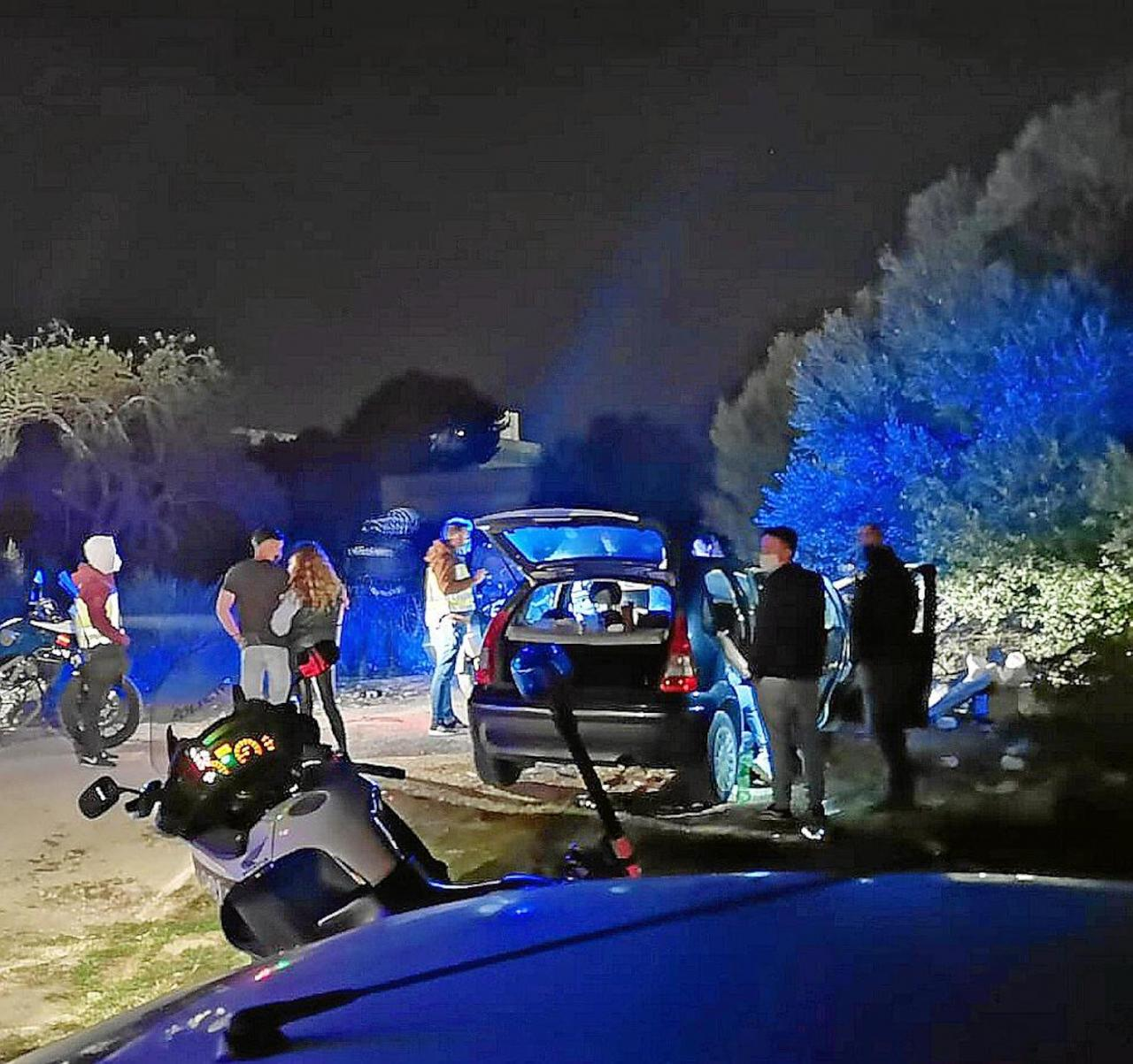 Police break up illegal drinking party in Palma.