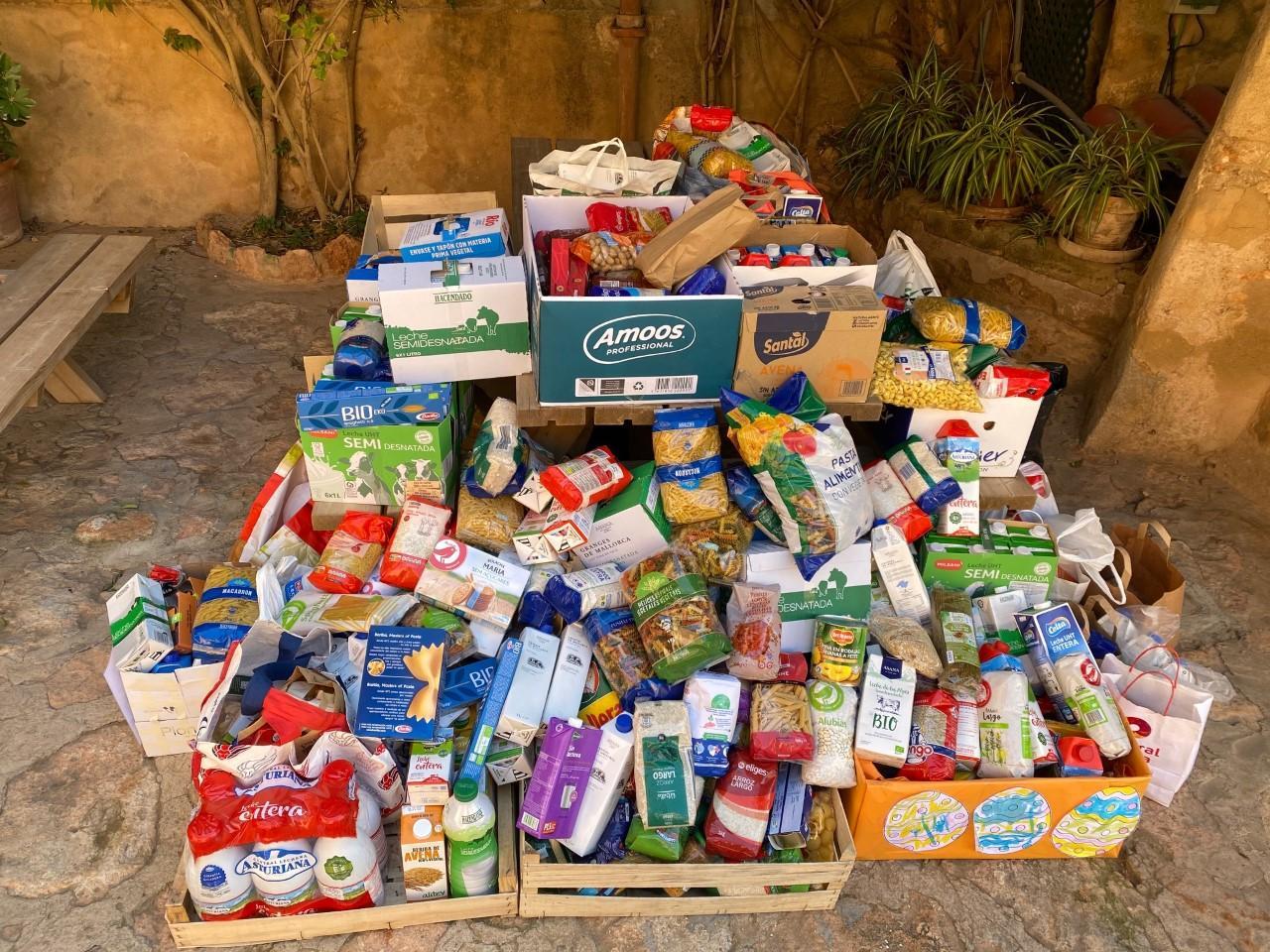 Donation Pa i Mel junior school