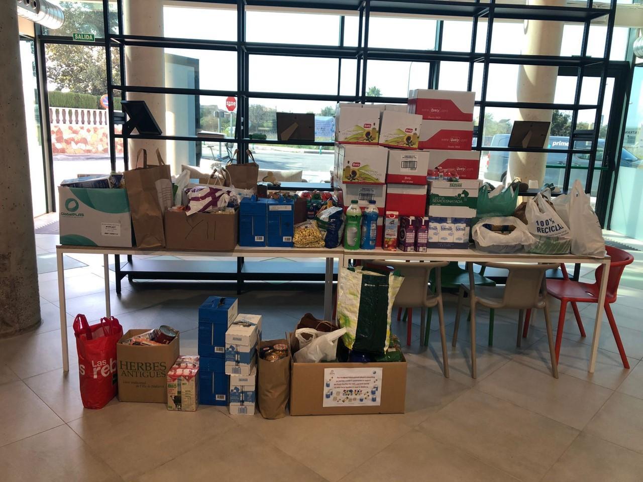 Donation Pa i Mel senior school