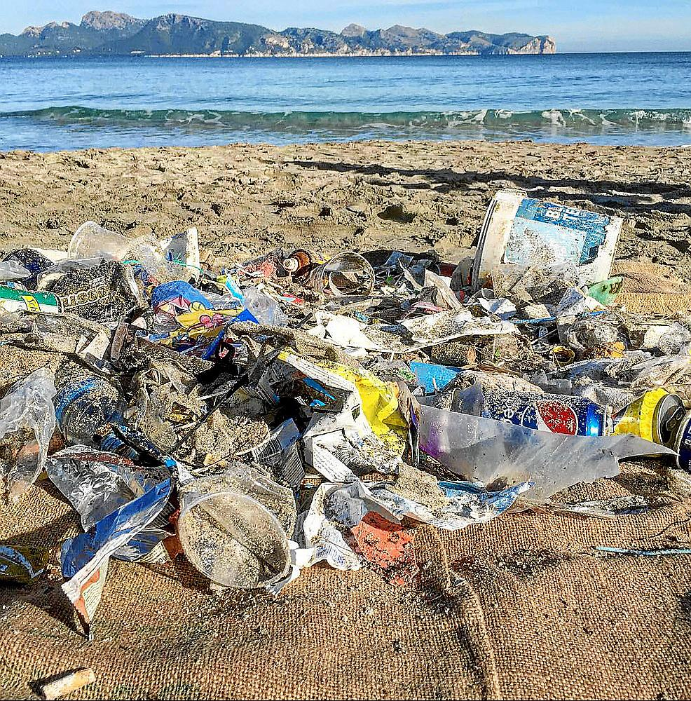 Plastics in the mediterranean