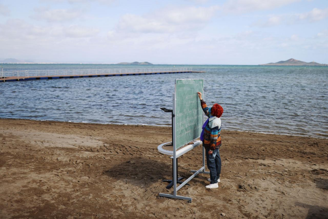 A beach in southern Spain becomes a large outdoor classroom