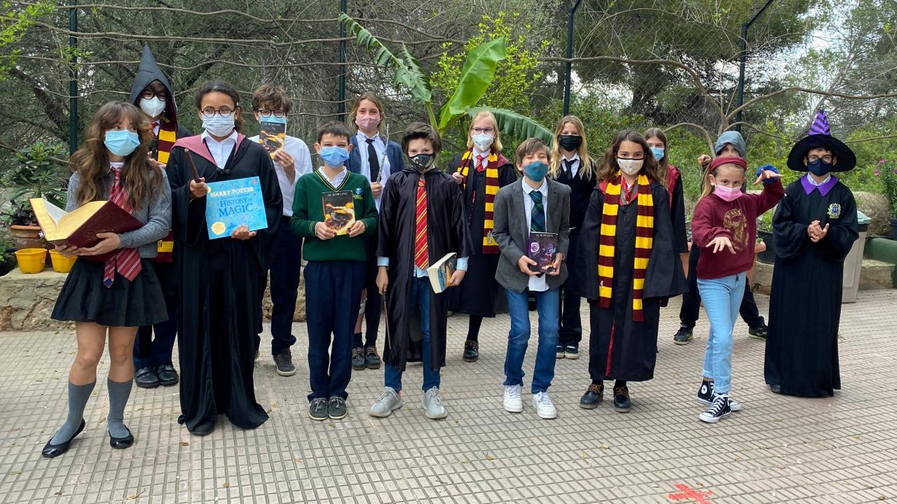 Queen's College students