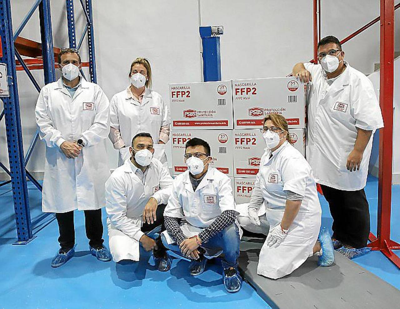 Balearic Health Protection employees with Ricardo Alonso (right).