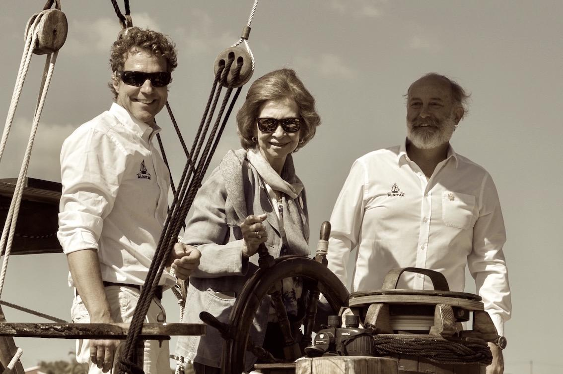 Queen Sofia steering the 'Toftevaag'
