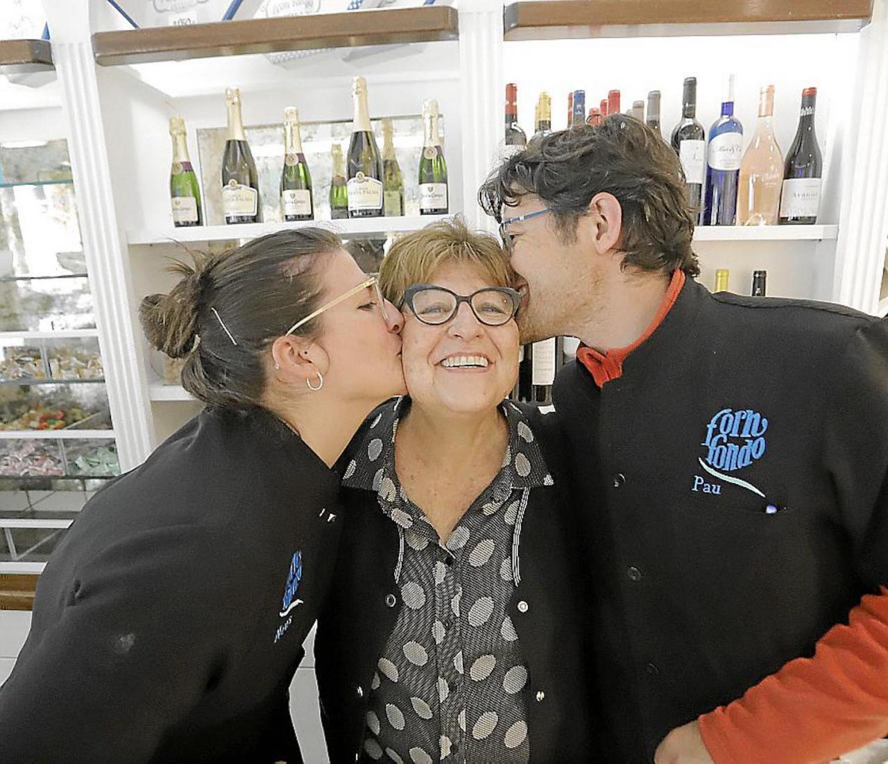 Margarita Riera, Neus & Pau Llull at Forn Fondo.