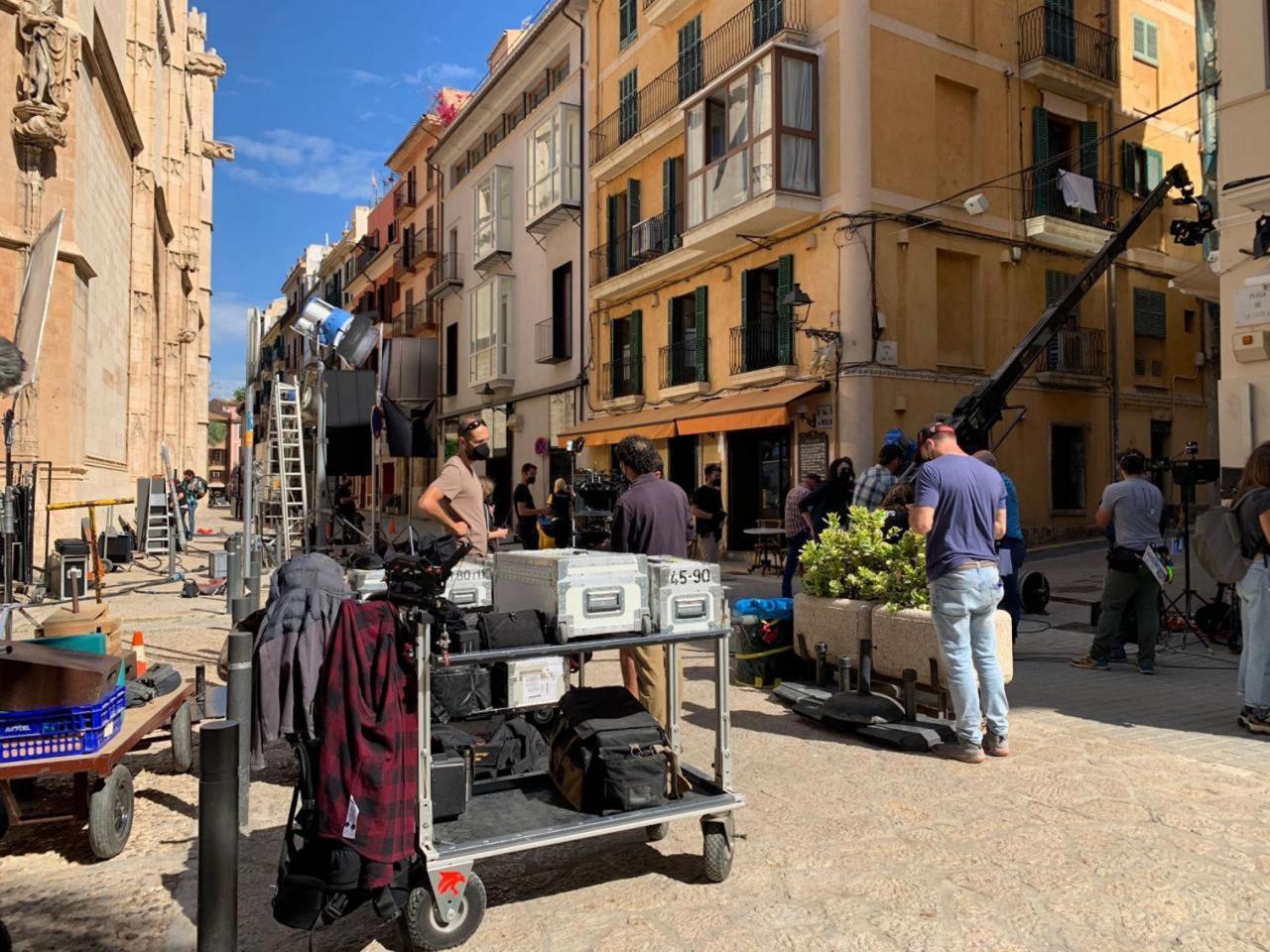 Preparations for Ana de Armas shoot in La Lonja.