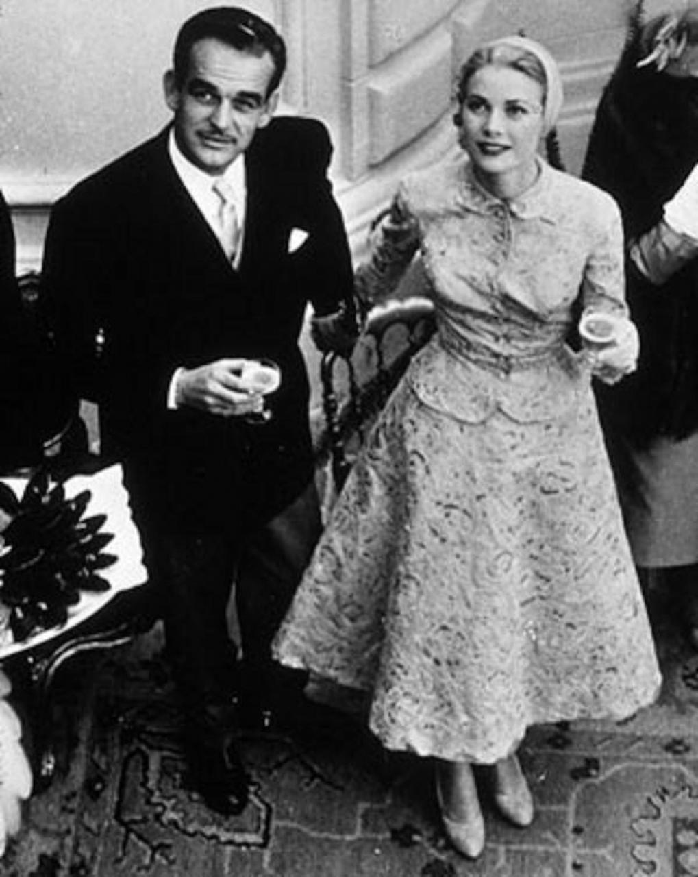 Prince Rainier III of Monaco & Grace Kelly on honeymoon in Mallorca.